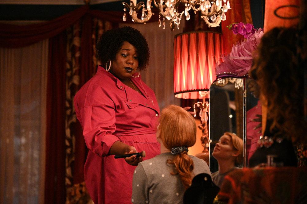 Alex Newell as Mo, Jane Levy as Zoey Clarke on ZOEY'S EXTRAORDINARY PLAYLIST